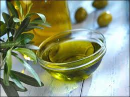 Lovely and tasty, olive oil is 100% fat and, has zero fiber and it is not a whole plant.